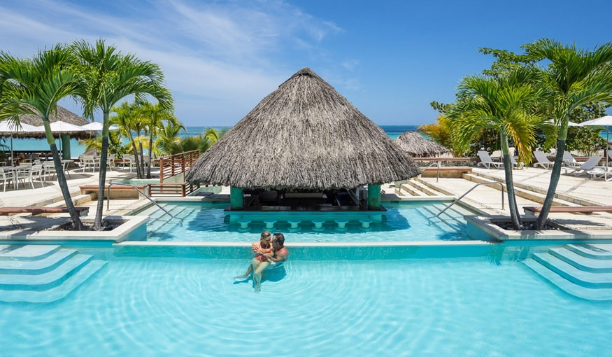 couples-swept-away-negril